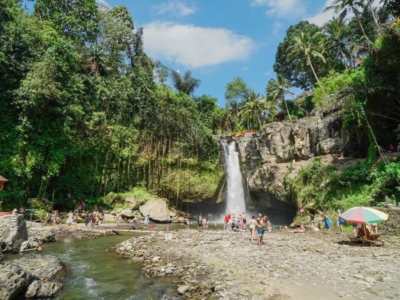 Tegenungan Waterfall Activities & Entrance Fee (2)