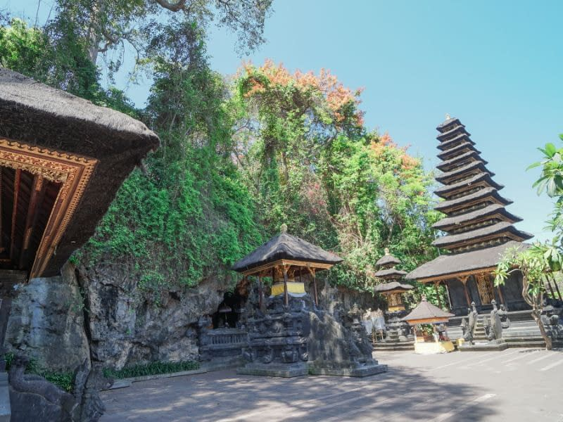 Pura Goa Lawah Temple, Bat Cave Bali Entrance Fee & Dress Code (2)